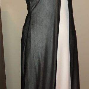 Dresses & Skirts - Gorgeous and elegant formal gown